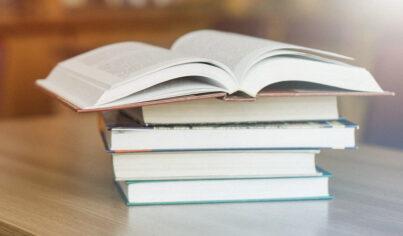 Enfócate en la fluidez: los 15 mejores libros de texto para ayudarte a hablar inglés