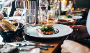 '저녁은 제가 대접할게요.' 영어로? 식사 관련 영어 회화 표현!