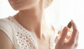 【主題單字】香水迷看過來!用英文學香水知識—果香、花香、木質香、前中後味